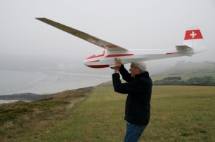 Arcus T hits the sea in Brittany - in memoriam Gilles Gohier